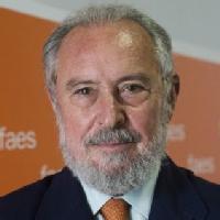 Manuel Aragón Reyes