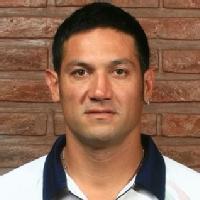 Turu Flores (José Oscar Flores)