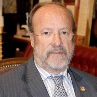 Francisco Javier León de la Riva