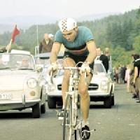 Ciclistas que han logrado más victorias en las tres grandes vueltas